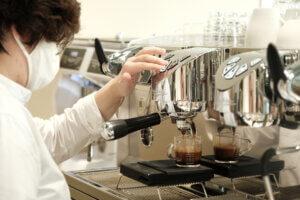 วิธีเลือกซื้อเครื่องชงกาแฟ อย่างไรให้ถูกใจ?